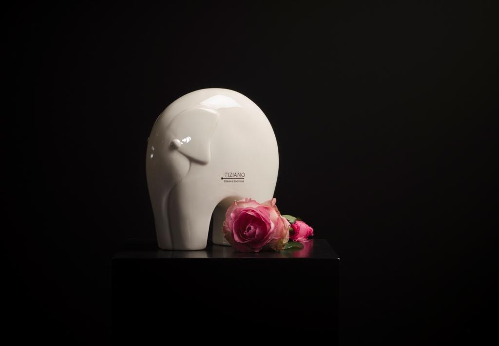 elefant dario als gl ckssymbol f r 2015 tiziano design. Black Bedroom Furniture Sets. Home Design Ideas