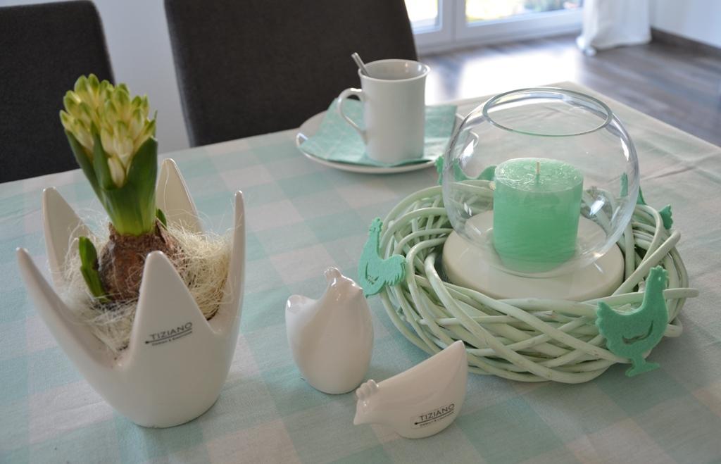 Einladung zum Osterbrunch - Tischdeko in türkis - TIZIANO Design